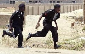 The Fear Of Ebola Is The Beginning Of Wisdom As Policemen Abandons Suspect
